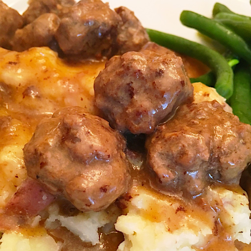 Swedish Meatballs with Creamy Gravy